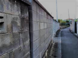 ブロック塀の塗装をDIYしてもよい場合