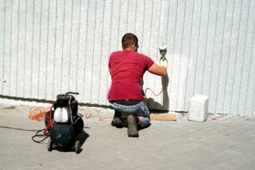50坪の外壁塗装はいくら?相場価格を調査【業者選びのポイントも解説】